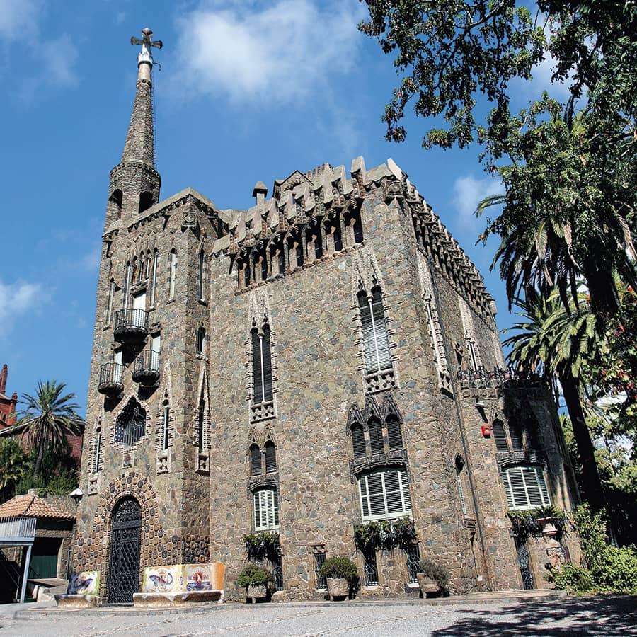 Fachada de la Torre Bellesguard de Antoni Gaudi