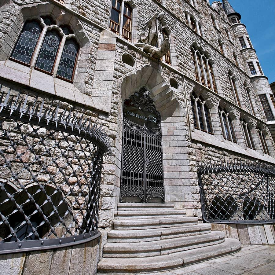 Casa Botines de León, de Antoni Gaudí