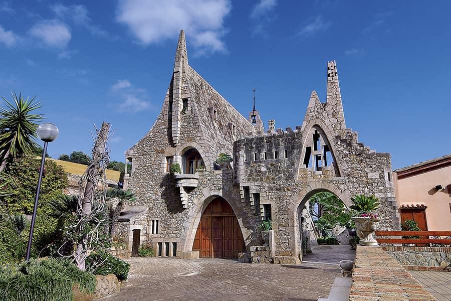 Bodegas Güell Antoni Gaudí