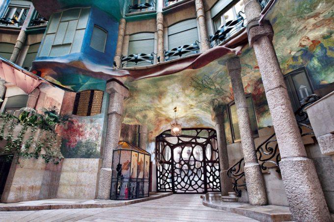 Lobby de La Pedrera Antoni Gaudí
