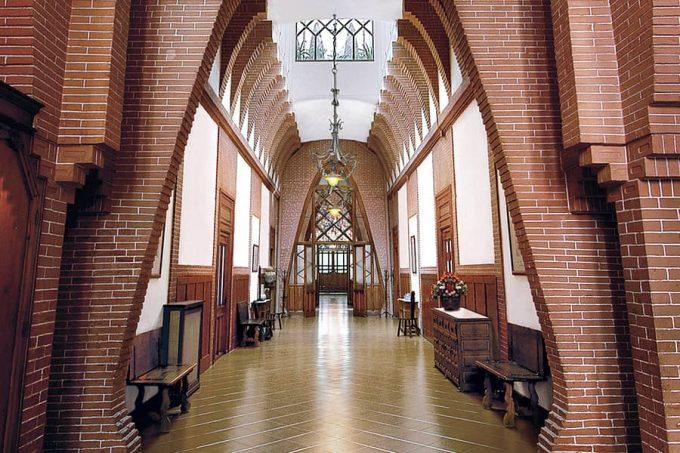 Hall of the Teresian College of Antoni Gaudí
