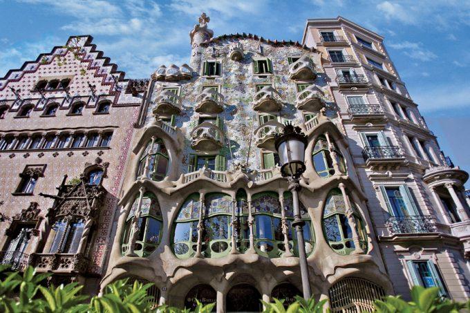 Fachada de la Casa Batlló, de Antoni Gaudí, Barcelona