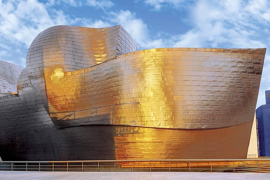 Fachada lateral del Museo Guggenheim Bilbao