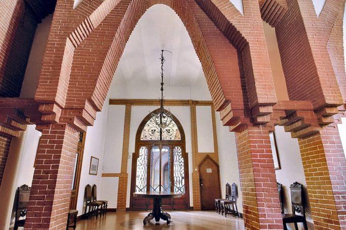 Planta baja Colegio teresiano de Gaudí
