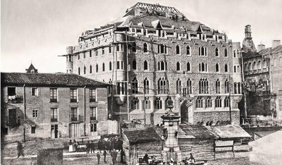 Construccion Casa Botines Leon Gaudi Fotografia Historica Dosde Publishing