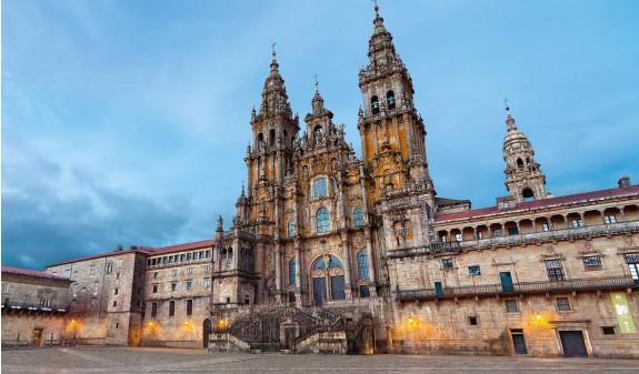 Fachada Plaza Del Obradoiro Catedral De Santiago Compostela Dosde Publishing