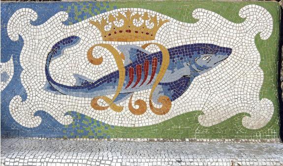 Mosaico Pez Casa Bellesguard Gaudi Dosde Publishing