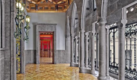 Palacio Guell Galeria Dosde Publishing