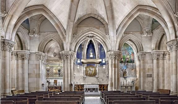 Capilla Cripta Basilica Sagrada Familia Gaudi Dosde Publishing