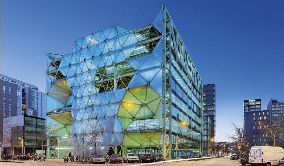 Edificio Media Tic Barcelona Dosde Publishing