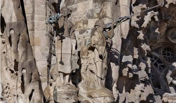 Esculturas Fachada Sagrada Familia Gaudi Barcelona Dosde Publishing