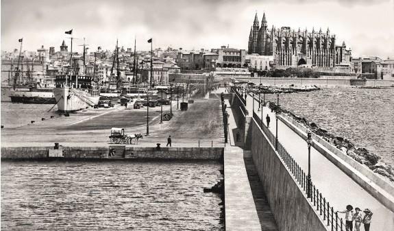 Puerto Catedral De Mallorca Antoni Gaudi Fotografia Historica Dosde Publishing