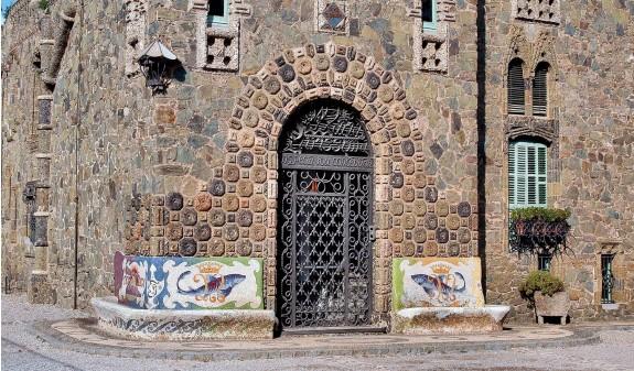 Torre Bellesguard Antoni Gaudi Libro Bolsillo Dosde Publishing
