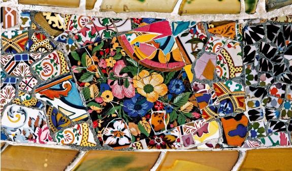 Trencadis Mosaico Park Guell Gaudi Dosde Publishing