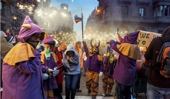 Barcelona Fiestas Correfocs Dosde Publishing