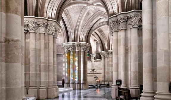 Basilica Sagrada Familia Antoni Gaudi Libro Bolsillo Dosde Publishing