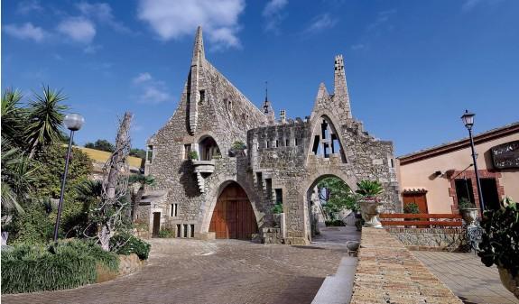 Bodegas Guell Gaudi Garraf Dosde Publishing