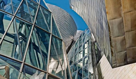 Cristaleras Exteriores Museo Guggenheim Bilbao Dosde Publishing
