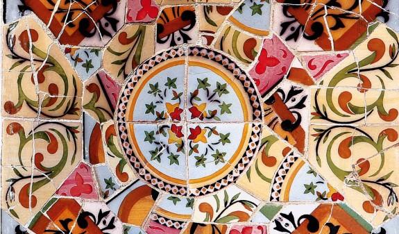 Mozaico Azulejos Park Guell Gaudi Dosde Publishing