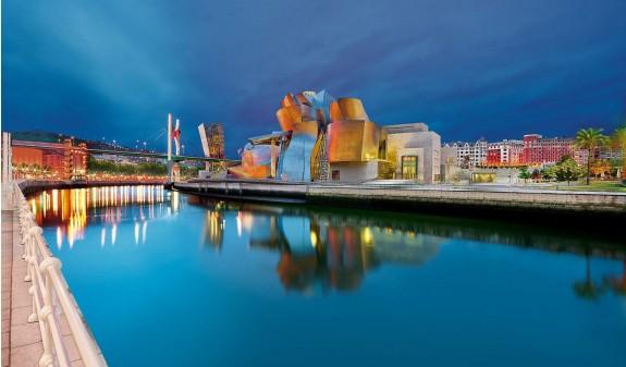 Panoramica Museo Guggenheim Bilbao Dosde Publishing