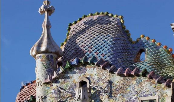 Tejado Colores Casa Batllo Gaudi Dosde Publishing